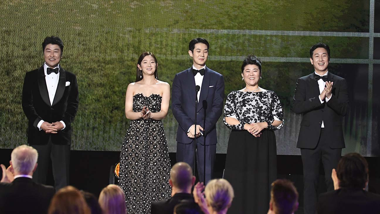 'Parasite' Cast Receives Standing Ovation at SAG Awards 2020