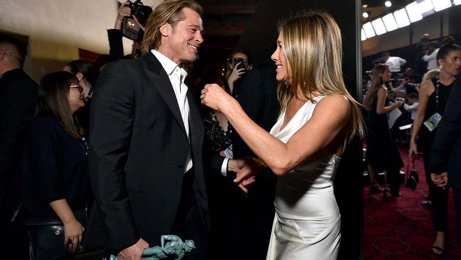 Jennifer Aniston Brad Pitt Backstage SAG Awards - Getty - H 2020