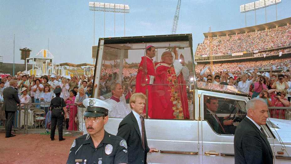 ONE TIME USE ONLY - Los Angeles: Pope John Paul II waves to the crowd at Dodger stadium - Bettmann Archive Getty Images -H 2020