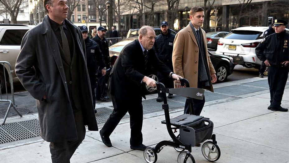 Harvey Weinstein (C) arrives at the Manhattan Criminal Court, on January 24, 2020 - Getty - H 2020