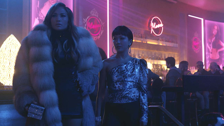 Jennifer Lopez and Constance Wu star in HUSTLERS - Publicity_h 2019