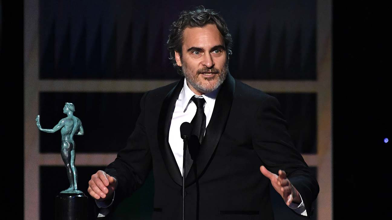 Joaquin Phoenix Wins SAG Award for 'Joker' | SAG 2020
