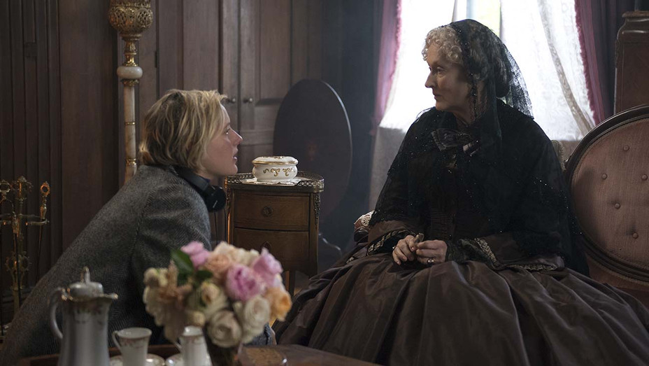 LITTLE WOMEN -BTS Director Writer Greta Gerwig and Meryl Streep on the set - Publicity -H 2019