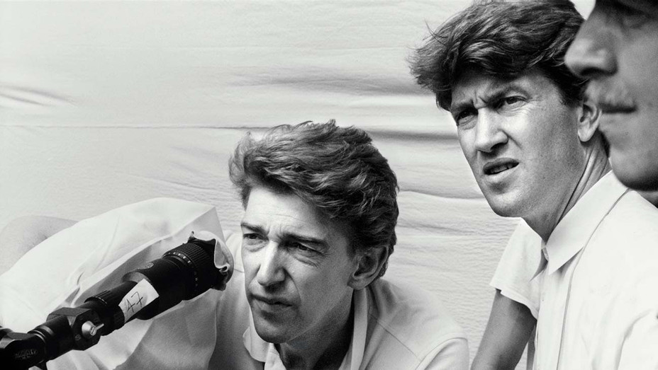 ONE TIME USE ONLY - Frederick Elmes  and David Lynch on the set of Blue Velvet - H 2020