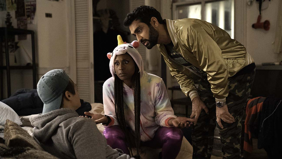The Lovebirds Still 1 - Issa Rae and Kumail Nanjiani star in Paramount Pictures - Publicity-H 2020