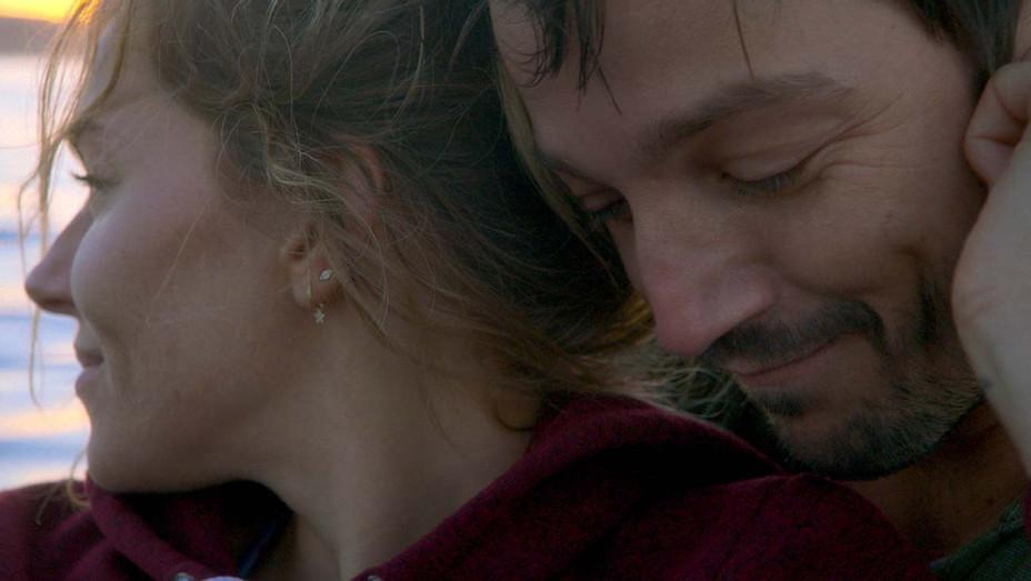 Wander Darkly - Sundance - U.S. DRAMA - Publicity - H 2020