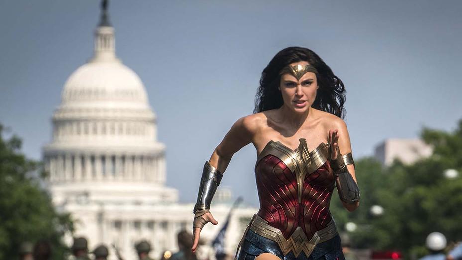 Wonder Woman 1984 - Publicity Still 4- H 2019
