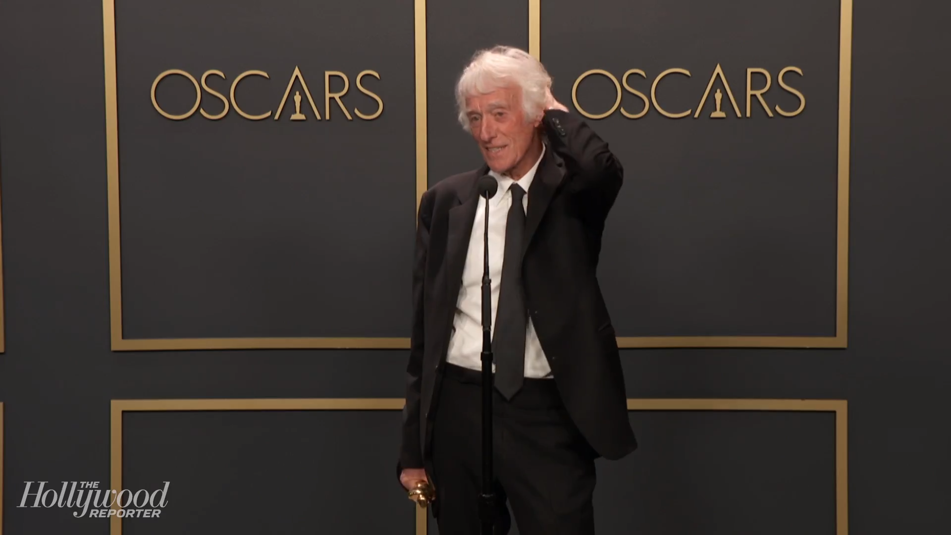 Roger Deakins Discusses Best Cinematography Win for '1917' Backstage at Oscars 2020