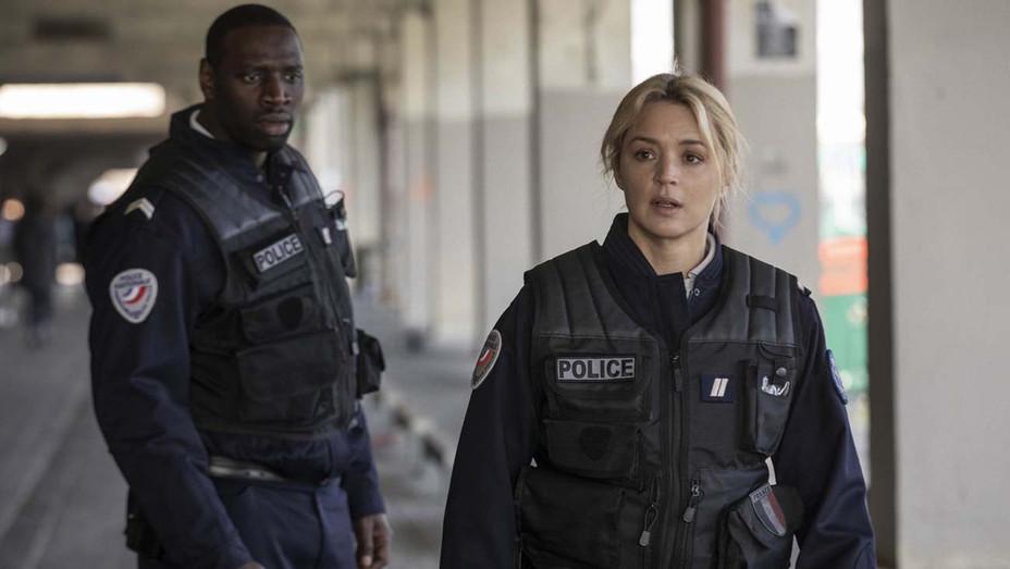 Police Still 1 -Aristide (Omar Sy) und Virginie (Virginie Efira) - Publicity -H 2020