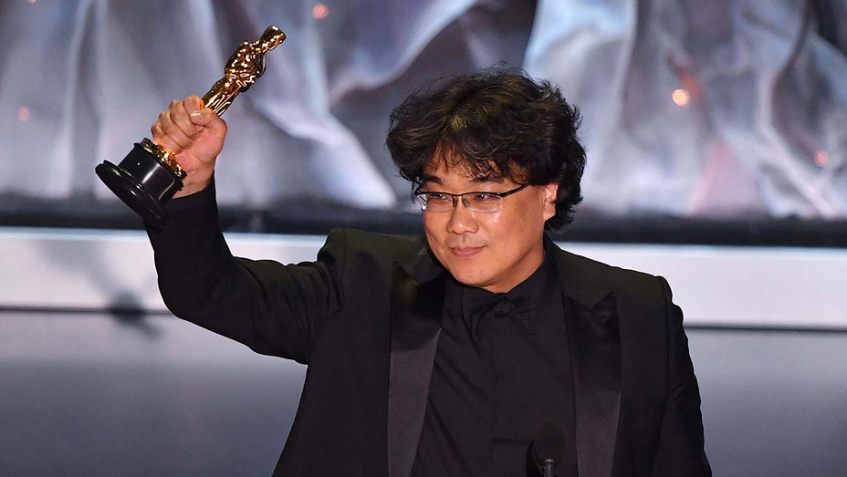 Bong Joon-ho accepts the award for Best International Feature Film - Getty - H 2020