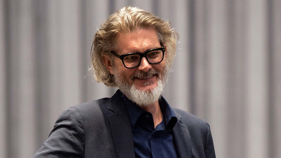 Mo Willems - directing 'Dont Let the Pigeon Drive the Bus!' - Getty-H 2020