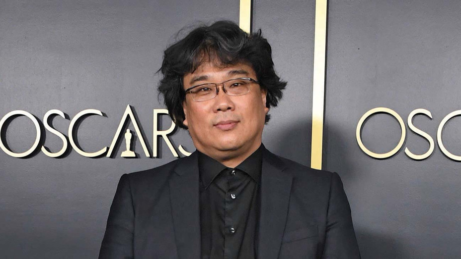 Bong Joon Ho arrives for the 2020 Oscars Nominees Luncheon  - Getty -H 2020