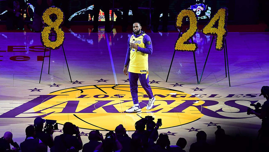 LeBron James speaks from center court in honour of NBA legend Kobe Bryant- January 31, 2020- Getty -H 2020