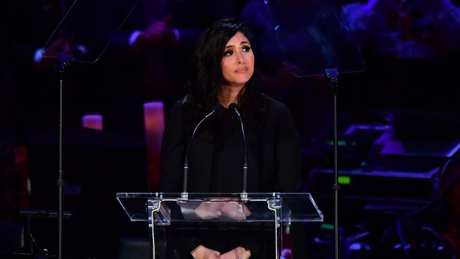 """Vanessa Bryant arrives to speak during the """"Celebration of Life for Kobe and Gianna Bryant"""" service - H 2020"""