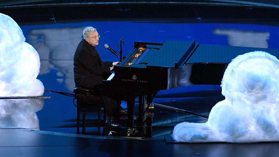 Randy Newman performs at Academy Awards - Getty - H 2020