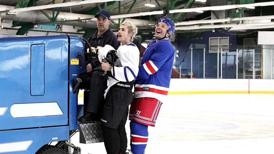 Justin Bieber and Jimmy Fallon playing hockey on The Tonight Show NBC - Publicity still - H 2020