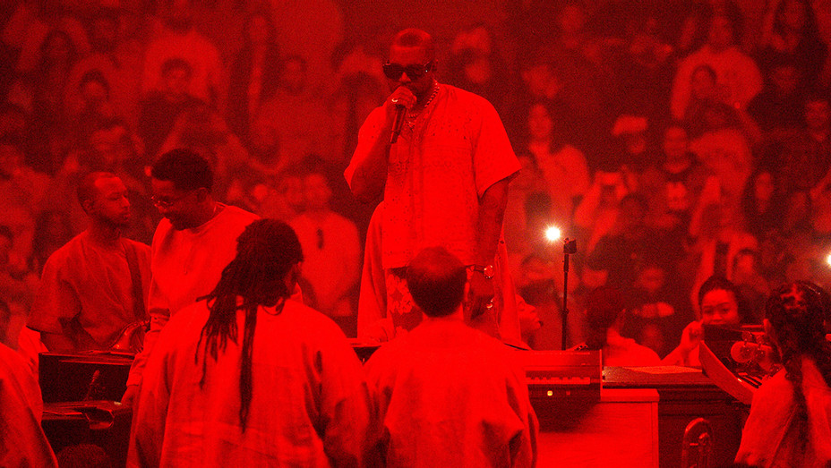 Kanye West Returns to Chicago for Soul-Stirring Sunday Service Ahead of NBA All-Star Game - H Getty 2020