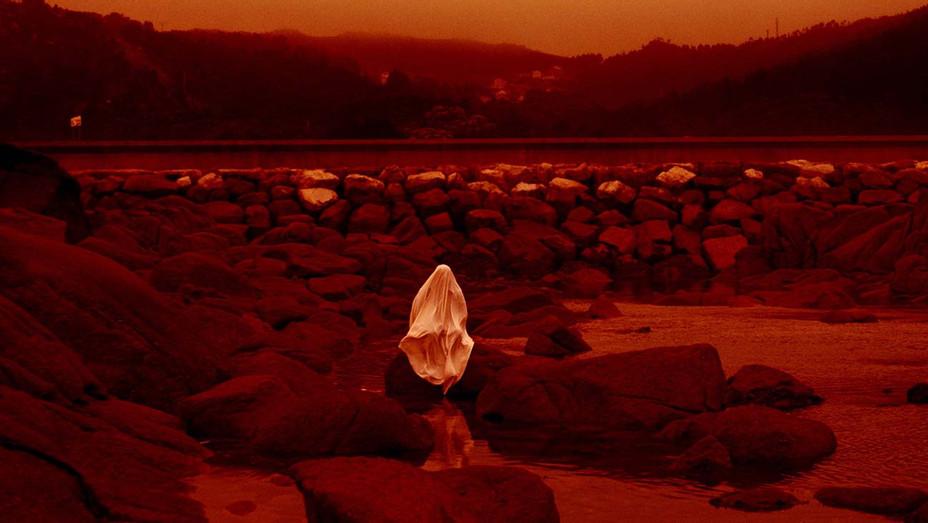 RED MOON TIDE Still 1 - Berlin International Film Festival- H 2020
