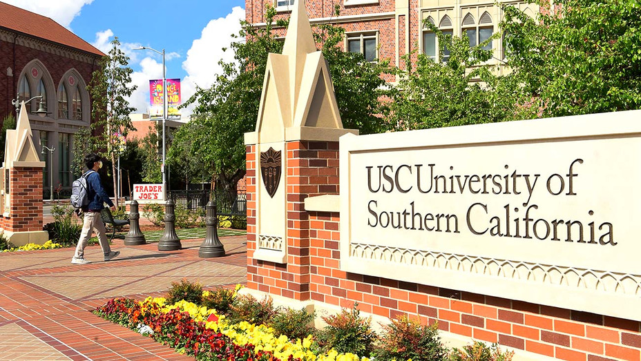 A student wears a facemask at the University of Southern California - Getty - H 2020