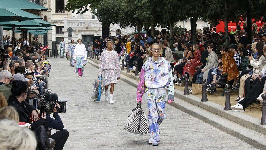 Atmosphere at Louis Vuitton show during Paris Men's Fashion Week Spring-Summer 2020- Getty - H 2020
