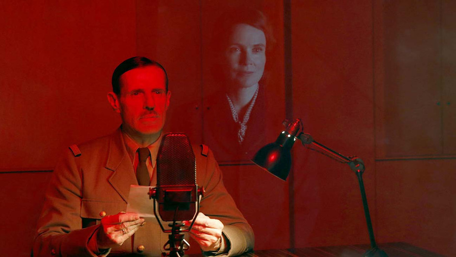 De Gaulle Still 1 - SND Publicity-H 2020