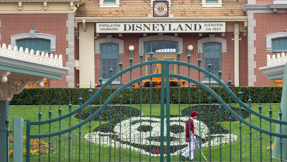 Disneyland Anaheim Park on March 14 2020 - H