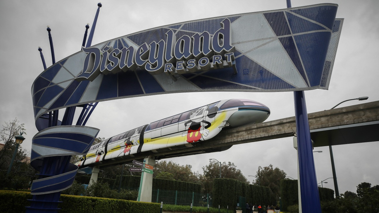 Disneyland Moves Forward With County Health Agency's COVID-19 Recommendations Amid State Standoff