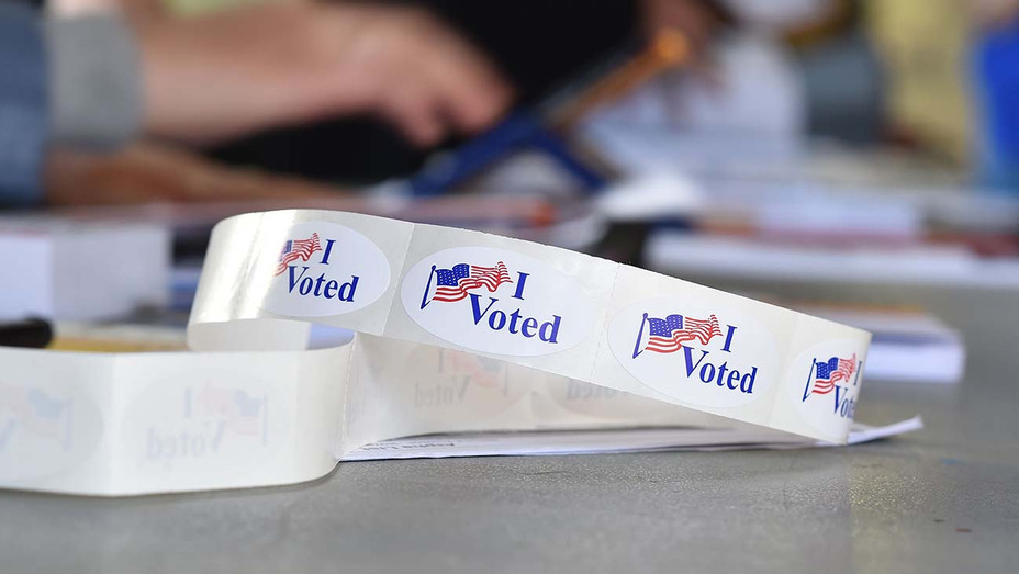 Voting in LA -Californians go to the polls 5 - Getty -H 2020