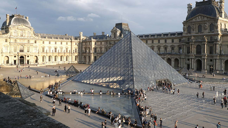 Louvre Museum — Getty — H 2020