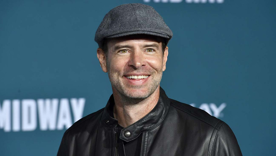"""Scott Foley attends the premiere of Lionsgate's """"Midway"""" - Getty - H 2020"""