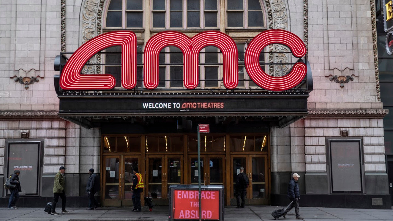 AMC Theatres Posts Revenue Collapse Amid Pandemic