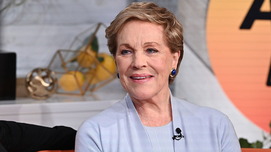 "Julie Andrews Visit BuzzFeed's ""AM To DM"" - Getty - H 2020"