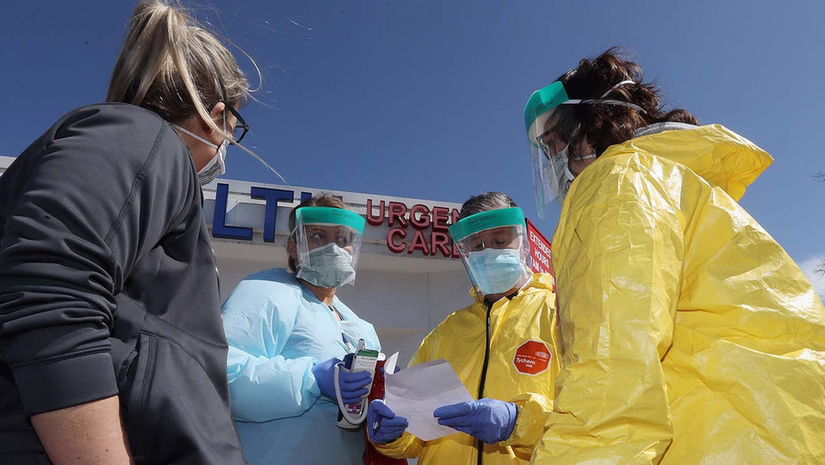 Medical workers_US COVID-19 - Getty - H 2020