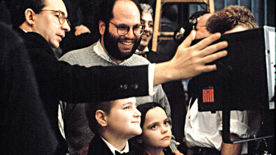 ONE TIME USE ONLY -Barry Sonnenfeld -on set of 1991's The Addams Family - Everett Collection - H 2020