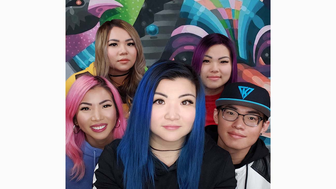 Caa Signs Youtube Gaming Group The Krew Exclusive Hollywood Reporter - funneh and the krew roblox games