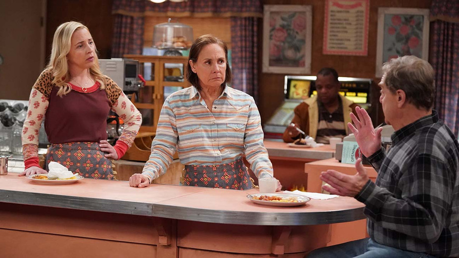 The Conners - CPaps, Hickeys and Biscuits - LECY GORANSON, LAURIE METCALF, JOHN GOODMAN-H 2020