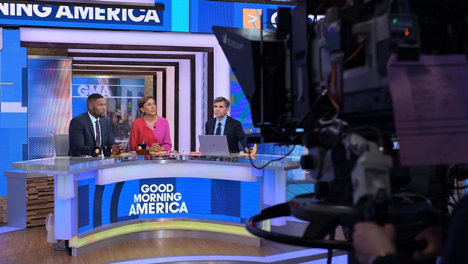 GOOD MORNING AMERICA -MICHAEL STRAHAN, ROBIN ROBERTS, GEORGE STEPHANOPOULOS-H 2020