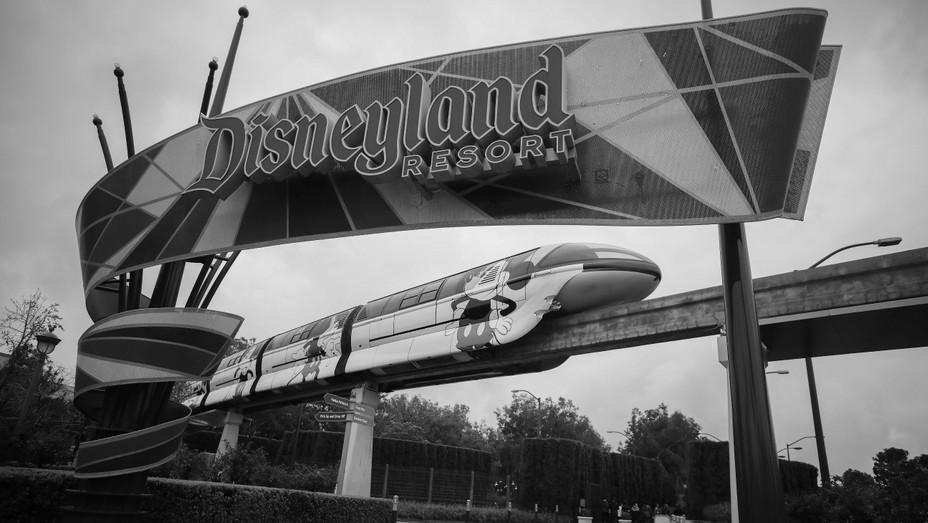 Disneyland Black and White H 2020