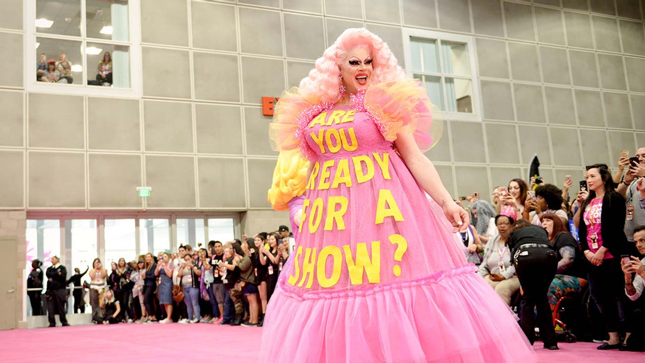DragCon -Nina West - Getty - H 2020