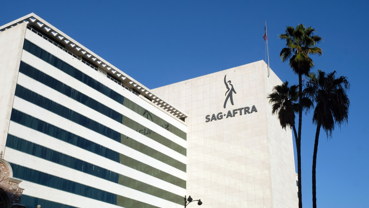 "SAG-AFTRA Says ""Most"" Productions Will Be On Hiatus Until Mid-January Amid Pandemic"