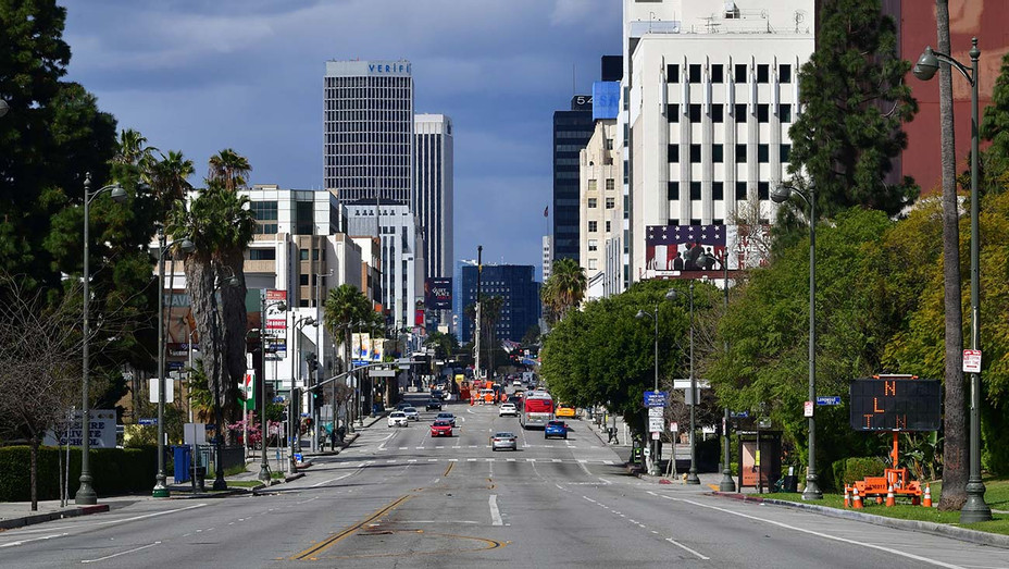 Coronavirus Pandemic - Los Angeles Streets - Wilshire Boulevard - Getty-H 2020