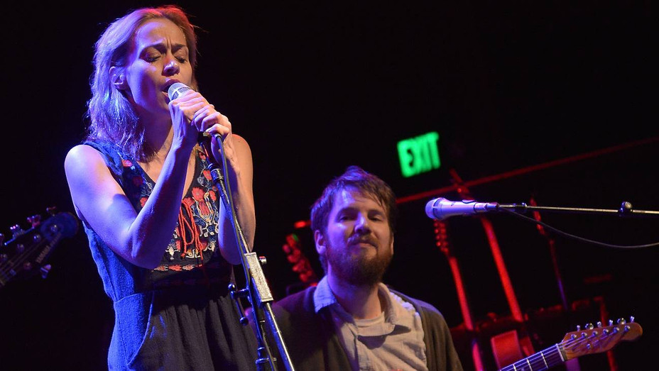 Fiona Apple and Blake Mills in concert in 2014 - H Getty 2020