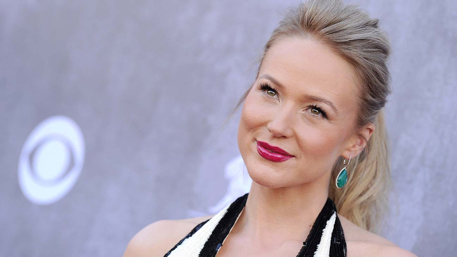 Jewel arrives at the 49th Annual Academy of Country Music Awards - Getty-H 2020