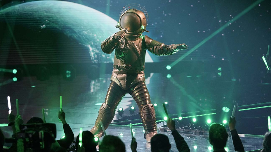 THE MASKED SINGER - The Astronaut - Fox Publicity -H 2020