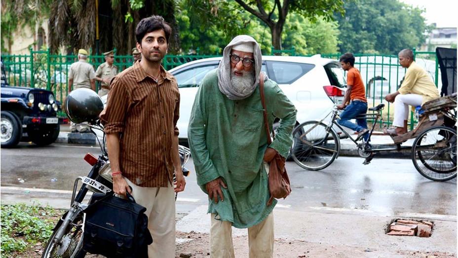 Gulabo Sitabo Still 1 - Courtesy Amazon Prime Video India - H 2020