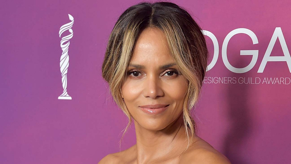 Halle Berry attends The 21st CDGA  - Getty-H 2020
