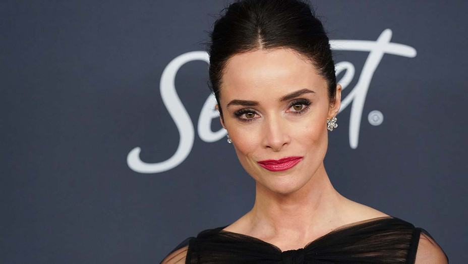 Abigail Spencer -21st Annual Warner Bros. And InStyle Golden Globe After Party - Getty-H 2020