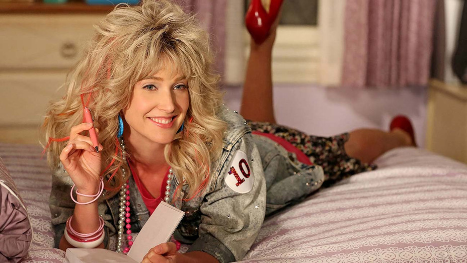 How I met your mother - EPISODE 15 P.S. I Love You -Cobie Smulders as Robin Sparkles-Photofest-H 2020