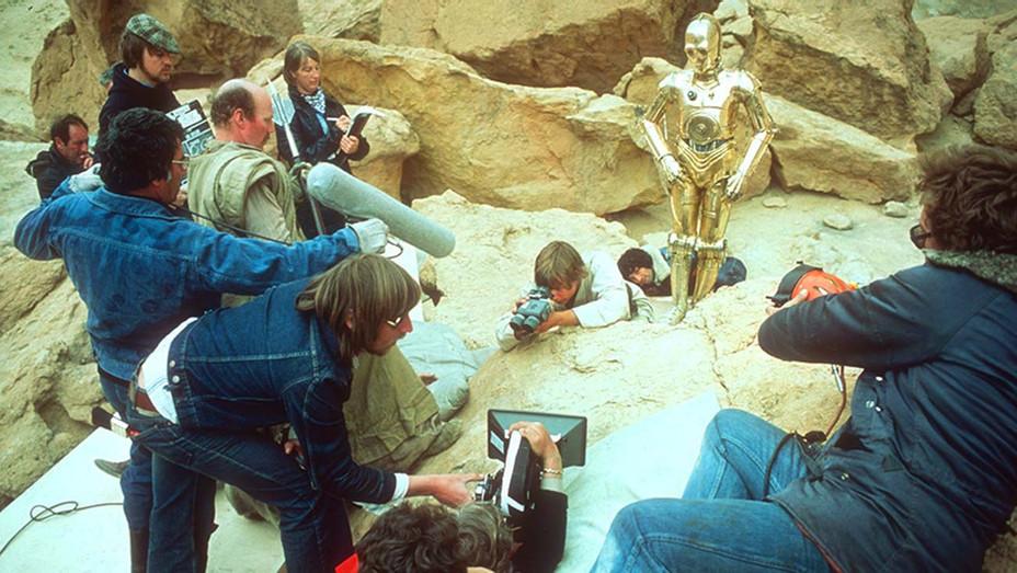 Star Wars (1977) - on- set during filming 2- Photofest-H 2020