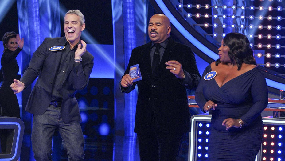 CELEBRITY FAMILY FEUD - Andy Cohen vs. Real Housewives -ANDY COHEN, STEVE HARVEY, BEVY SMITH-H 2020